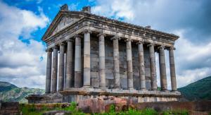 Языческих храм Гарни