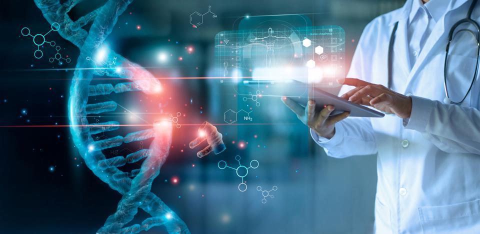 Врачи и пациенты используют информационные технологии
