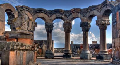 Журнал Arabian Business предлагает туристам поехать в Армению