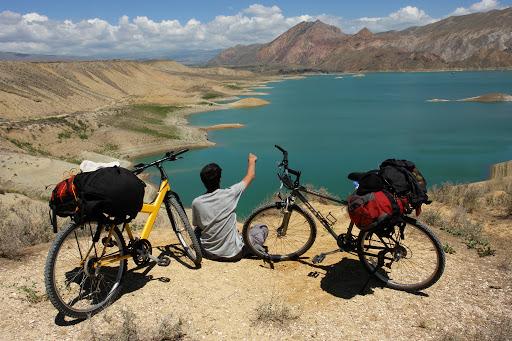 Армения привлекает туристов на двух колесах